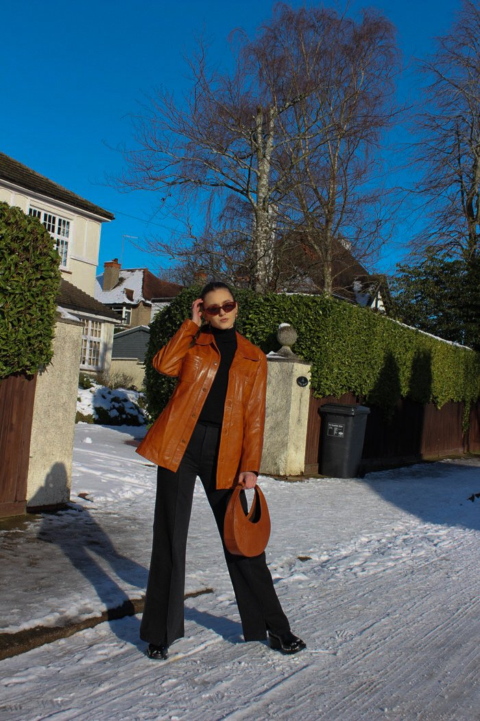 allykraw how to style a pair of flared jeans