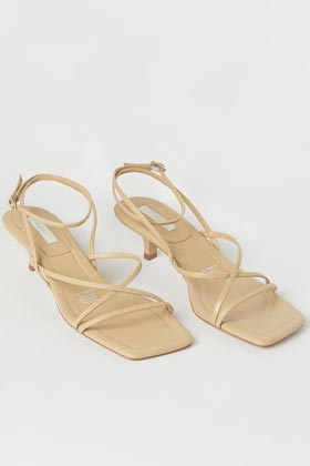 Ultimate summer wardrobe staples h&m leather sandals