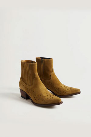 mango ankle lenght boots in mustard shade