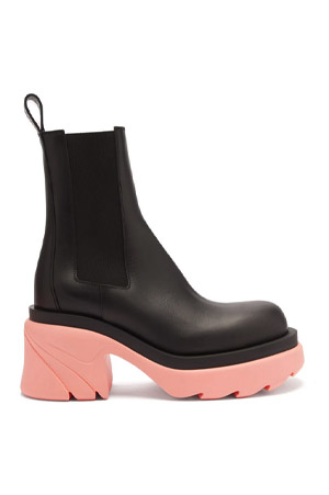 bottega veneta black leather ankle boots with pastel pink rubber sole