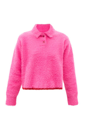 Autumn-Winter 2021 trends Jacquemus fluffy neon pink jumper with pointed collar