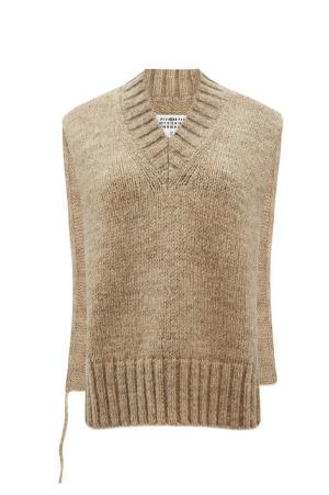 knitted v-neck vest in beige